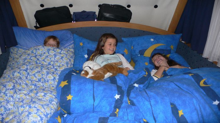 Alle sind im Bett. Auch die …