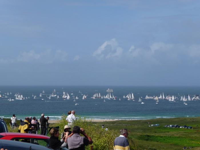 Offiziell sollen 900 Boote für …