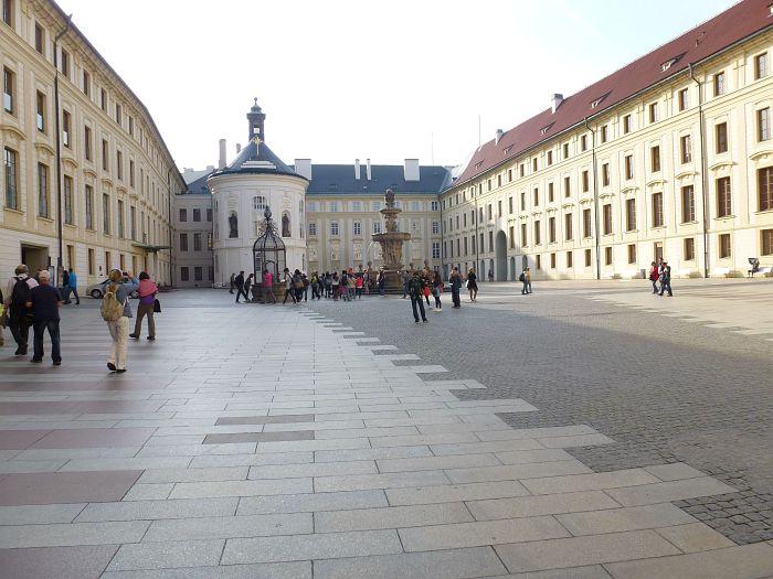 Der Neue Königliche Palast …