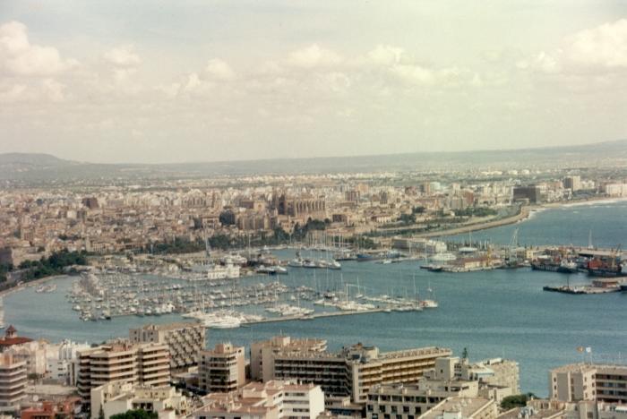 Der Yachthafen von …